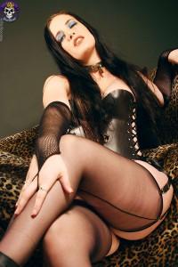 sexy goth slut