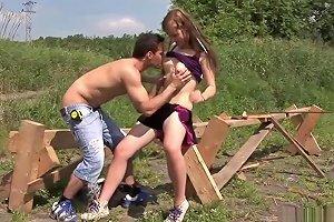 Kinky Teenage Babe Enjoys An Outdoors Fuck Txxx Com